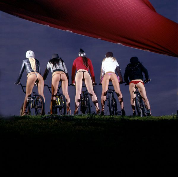 glossy photos of girls on bikes page 52 london fixed gear and