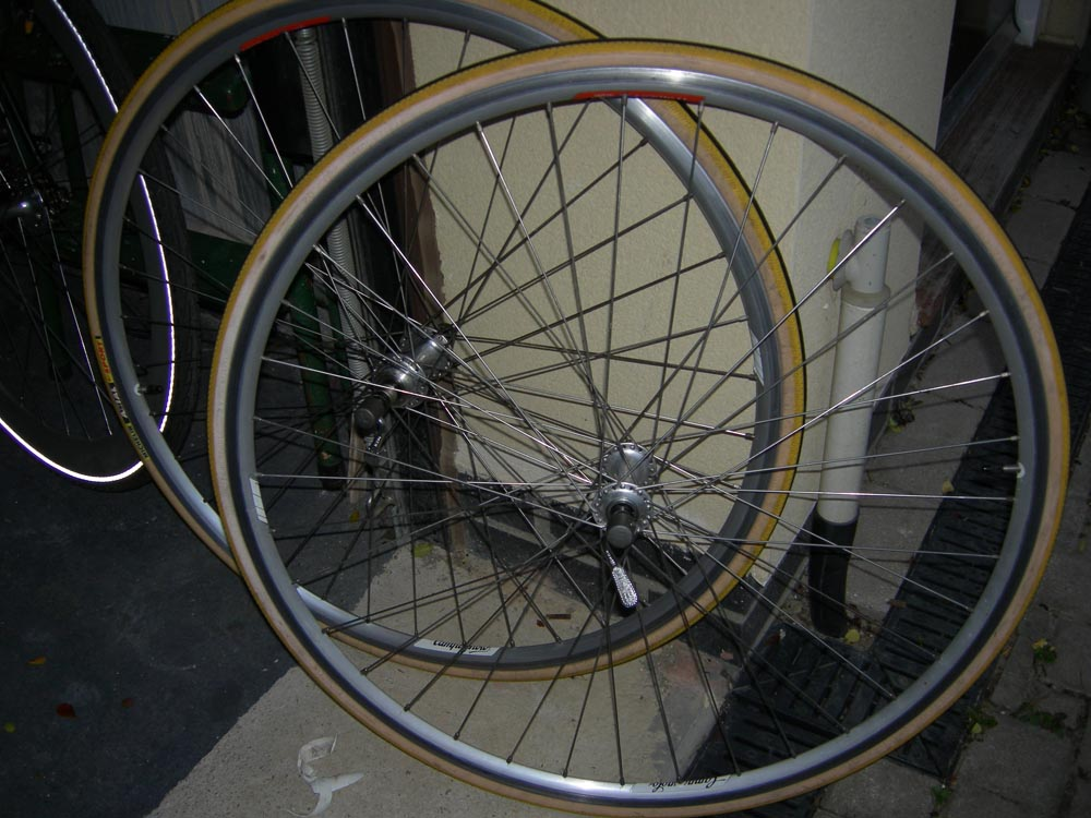 campag road wheels.jpg