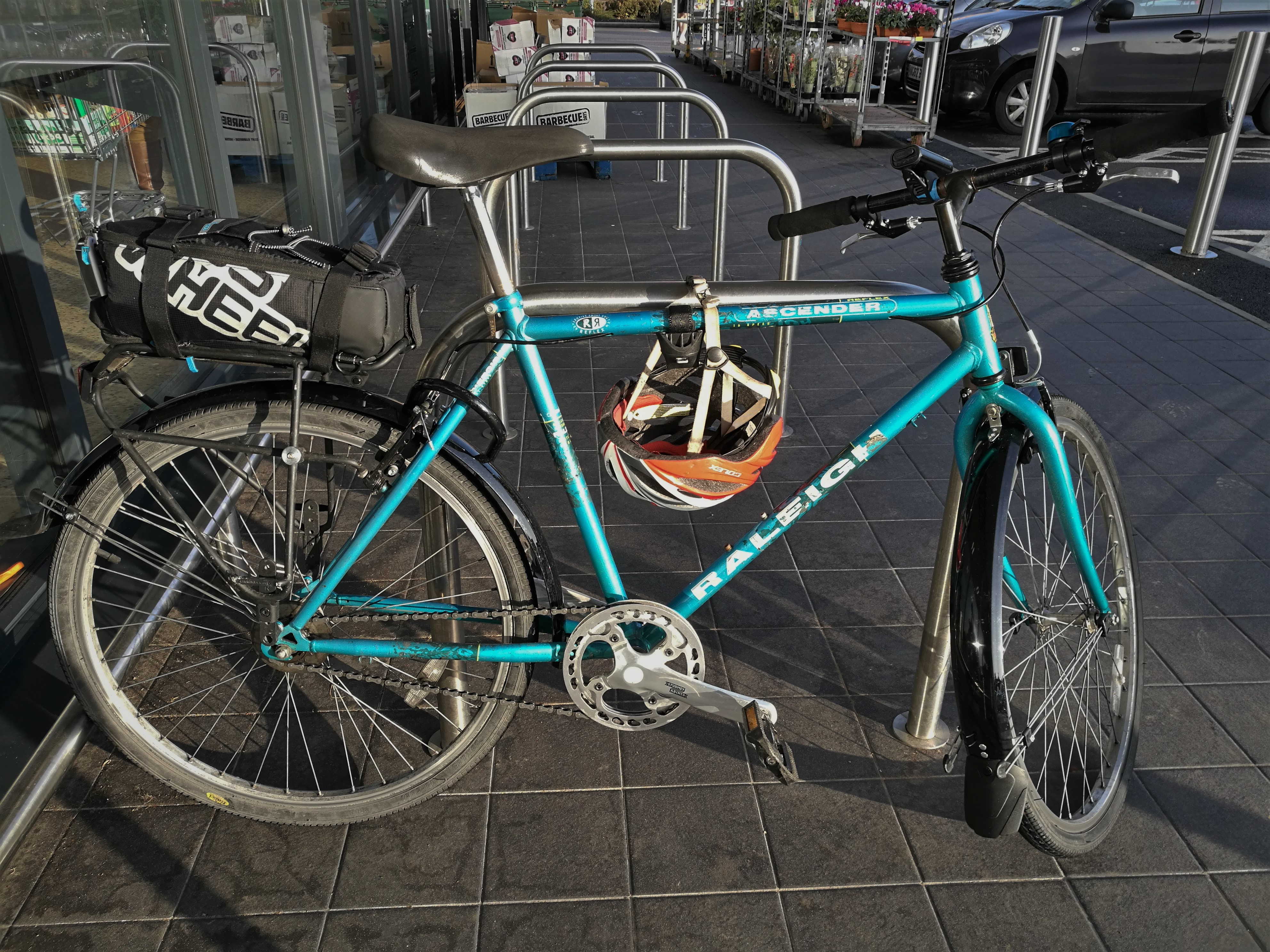Raleigh Ascender with mudguards